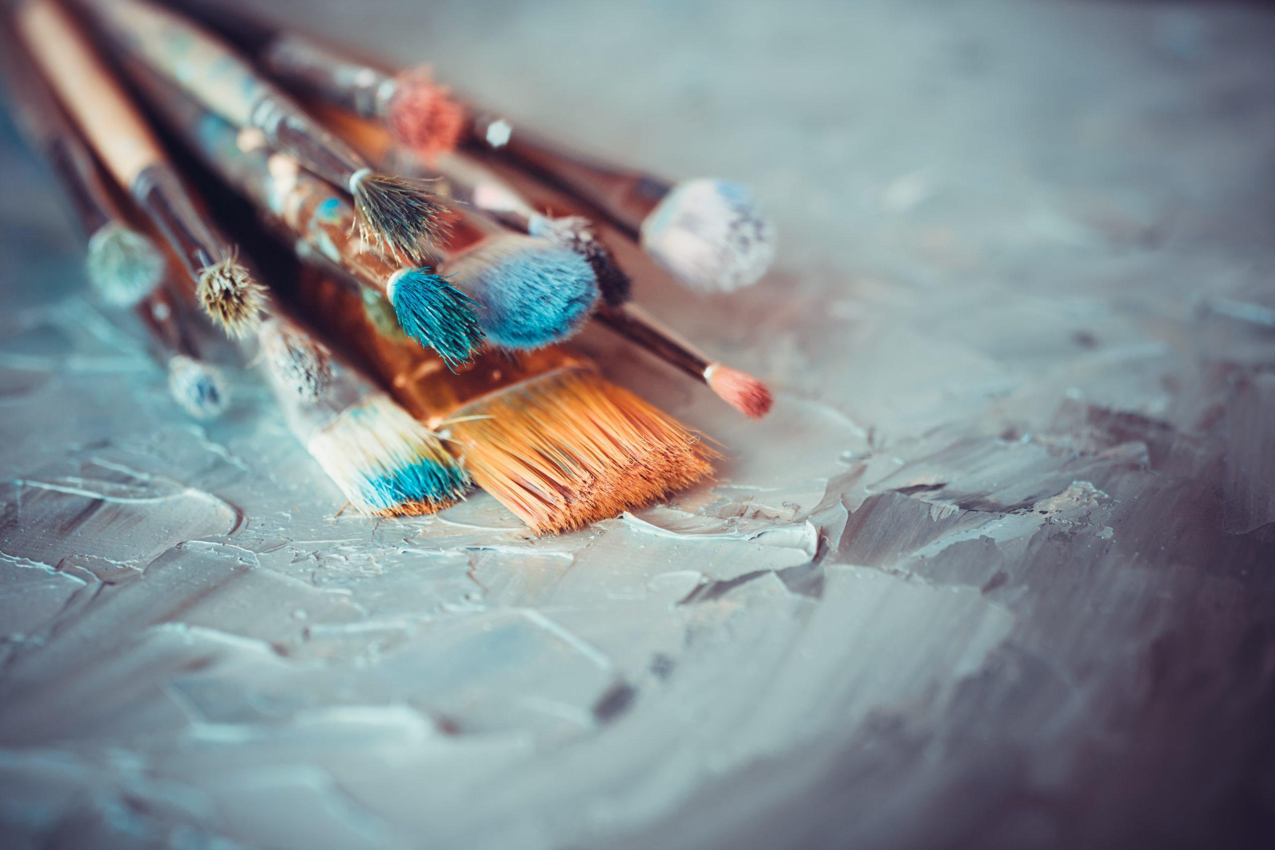 Paint-brushes-on-canvas-Jean-Francois-de-Clermont-Tonnerre